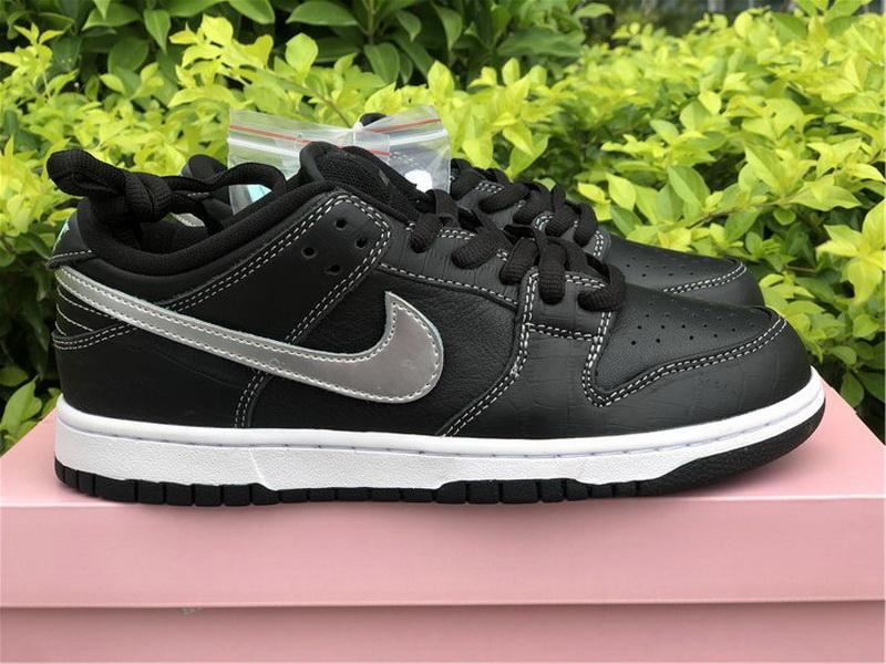 "Authentic Diamond x Nike SB Dunk Low ""Black"""