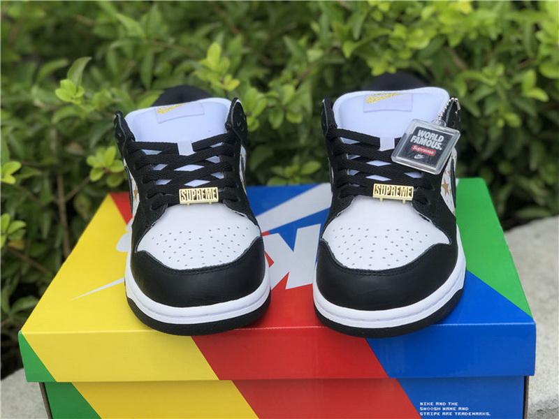 "Authentic Supreme x Nike SB Dunk Low ""Black Stars"""