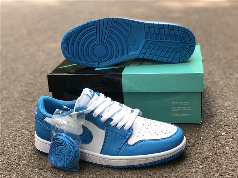Authentic Nike Dunk SB Unc