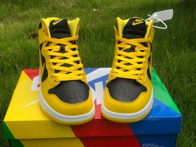 """Authentic Nike Dunk High SP """"Varsity Maize"""""""