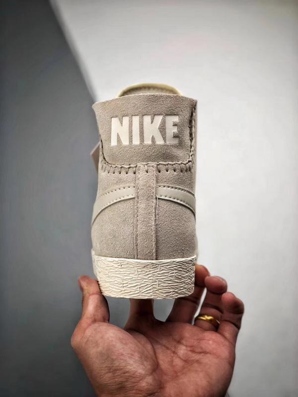 Authentic Nike Blazer Mid PRM
