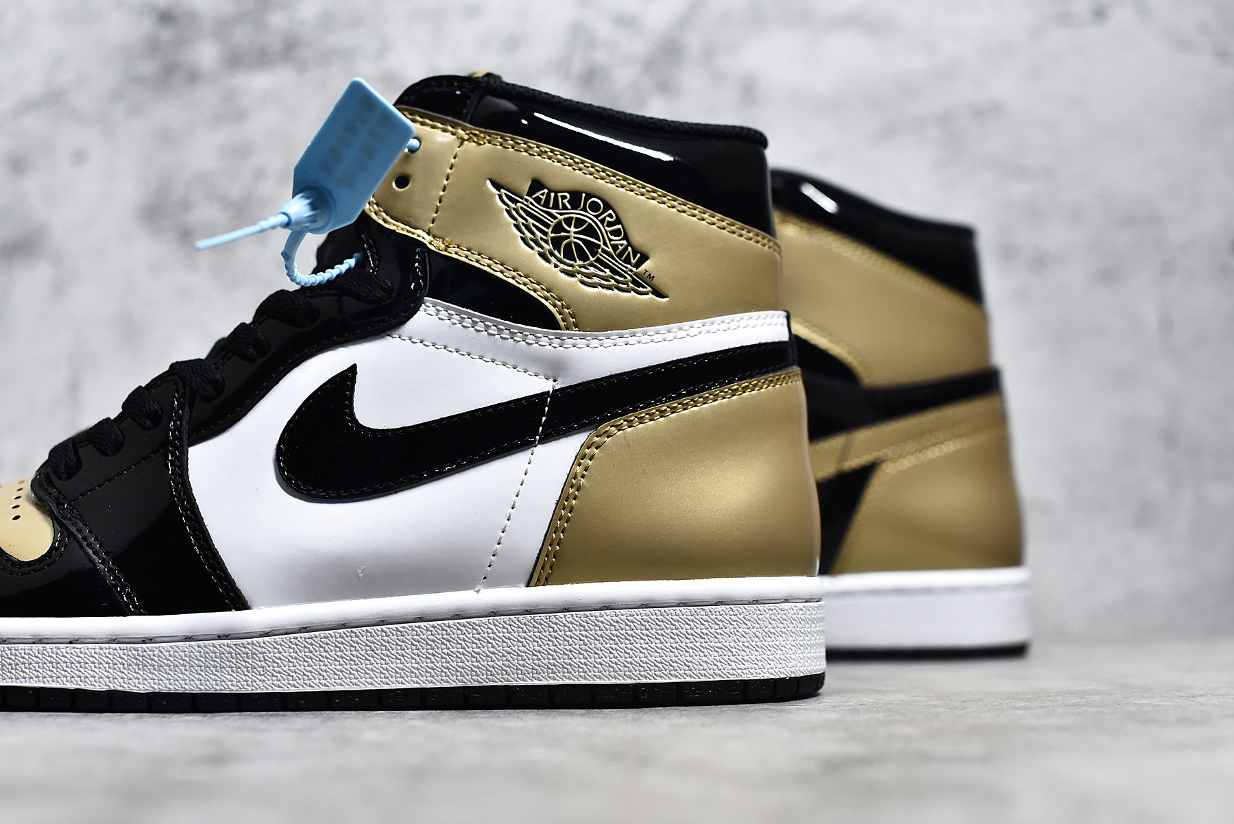 Authentic Air Jordan 1 Gold Toe One of One